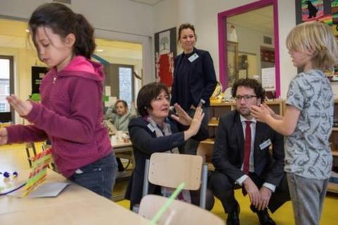 samen in de klas 2.jpg